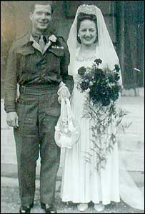 Bob and Joan Hughes on their wedding day