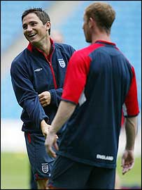 Frank Lampard (left) training with Nicky Butt (right)