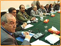 إياد علاوي يترأس أول اجتماع للحكومة العراقية الجديدة