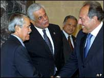 Saudi oil minister Ali Naimi (left) and other Opec officials