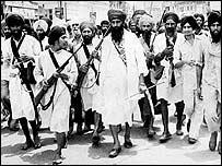 Sikh militant leader Sant  Jarnail Singh Bhindranwale (centre)