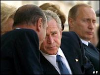 Владимир Путин, Жак Ширак, Джордж Буш на торжествах в Нормандии