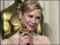 Renee Zellweger holds this year's best supporting actress Oscar