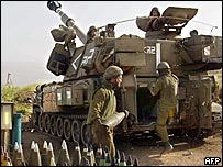 Israeli troops near Lebanese border
