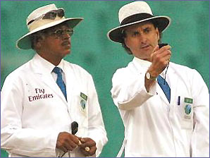 Venkat and Billy Bowden with the lightmeter