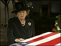 Baroness Margaret Thatcher pauses by Reagan's coffin in Washington DC