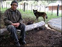 Maestro mapuche.   Bah�a Ca�icul, Argentina. Foto: Manuel Toledo