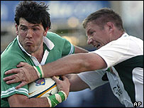 Ireland wing Shane Horgan tries to break through the South Africa defence