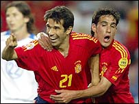 Juan Carlos Valeron scores for Spain