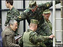 Khodorkovsky arrives in court