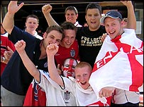 England fans outside the Cafe del Mar, Albufeira