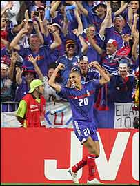 David Trezeguet scores France's equaliser
