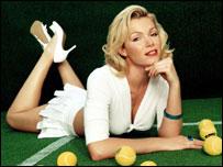 Modelo y presentadora de televisión, Nell McAndrew, quien tomó parte en la iniciativa Ariel Tennis Ace, una campaña para encontrar potenciales campeones británicos.