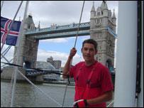 Llegando a Londres. De fondo el Tower Bridge. Foto: Diana Zileri, BBC