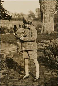 Christopher Robin Milne Bibliography | RM.