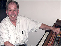Bob Bemer, AP