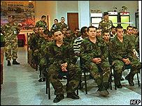 Supuestos paramilitares durante una de las audiencias.