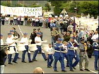 Parade had been banned over UVF paraphernalia in 2003