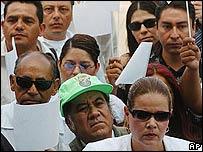 Un grupo de periodistas protestó por el asesinato de un editor en Tijuana