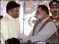Pakistani President Perevz Musharraf (left) and Zafarullah Khan Jamali