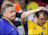Sweden joint manager Tommy Soderberg (left) and midfielder Kim Kallstrom