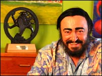 Pavarotti with trophy (courtesy of Huw Walters)