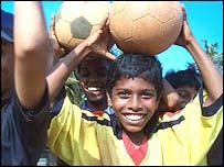 Young Goan fans