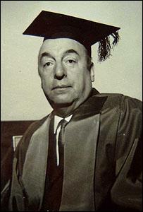 Pablo Neruda en Oxford. Foto de la colecci�n de Robert Pring-Mill.
