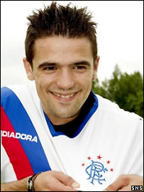 Nacho Novo sports his new colours