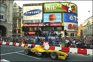 Nigel Mansell in his Jordan
