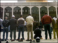 Worshippers at Regents Park mosque
