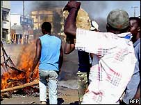 Rioters in Kisumu in western Kenya