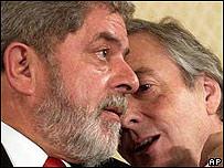 Luiz Inacio Lula da Silva, presidente de Brasil y Nestor Kirchner, presidente de Argentina.