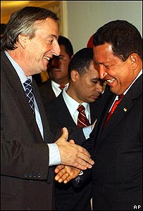 Néstor Kirchner, presidente de Argentina y Hugo Chávez, presidente de Venezuela.