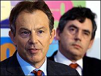 Tony Blair, primer ministro de Gran Bretaña, y Gordon Brown, ministro de Economía