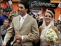 Ruud van Nistelrooy and his bride Leontien Slaats at their wedding in the Netherlands