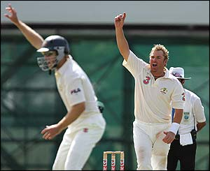 Shane Warne celebrates as Upul Chandana is stumped in the second Test in Cairns