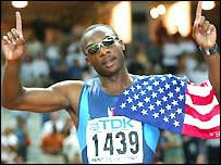 Jerome Young celebrates his 400m world title in 2003