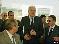 Ahmed Nazif arrives at his office in Cairo 10 July 2004
