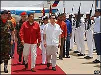 Presidente de Venezuela, Hugo Ch�vez y presidente de Colombia, �lvaro Uribe