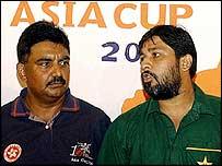 Inzamam-ul-Haq and Rahul Sharma