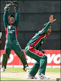 Abdur Razzaq takes a wicket