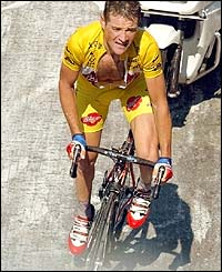 Thomas Voeckler retains the yellow jersey