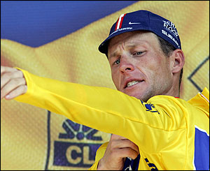 Armstrong keeps the yellow jersey