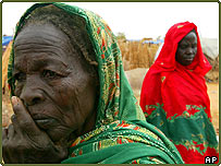 Displaced women at the Zam Zam refugee camp in Darfur