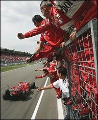 The victorious Ferrari team