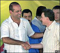 Salvatore Mancuso, líder paramilitar, y Luis Carlos Restrepo, comisionado de Paz