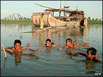 Pakistani children swimming in the Indus river
