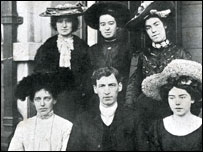 Old photograph of Evan Roberts and other revivalists