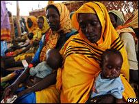 Women in an MSF feeding camp in Darfur, western Sudan